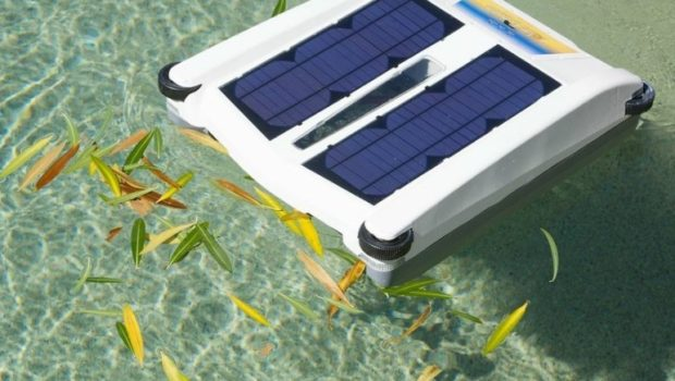 SWIMMING POOL: Have you seen the first solar-powered Pool Skimmer?